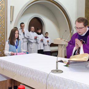 przyjęcie marianek i poświęcenie sztandaru (11)