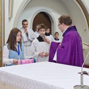 przyjęcie marianek i poświęcenie sztandaru (12)