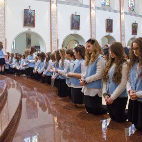 przyjęcie marianek i poświęcenie sztandaru (13)