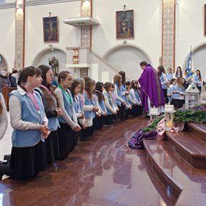 przyjęcie marianek i poświęcenie sztandaru (14)