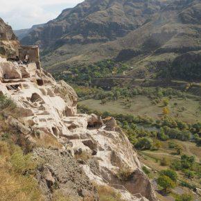 14. Wardzia - skalne miasto