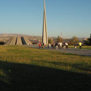 45. Erywań - pomnik ku czci poległych Ormian