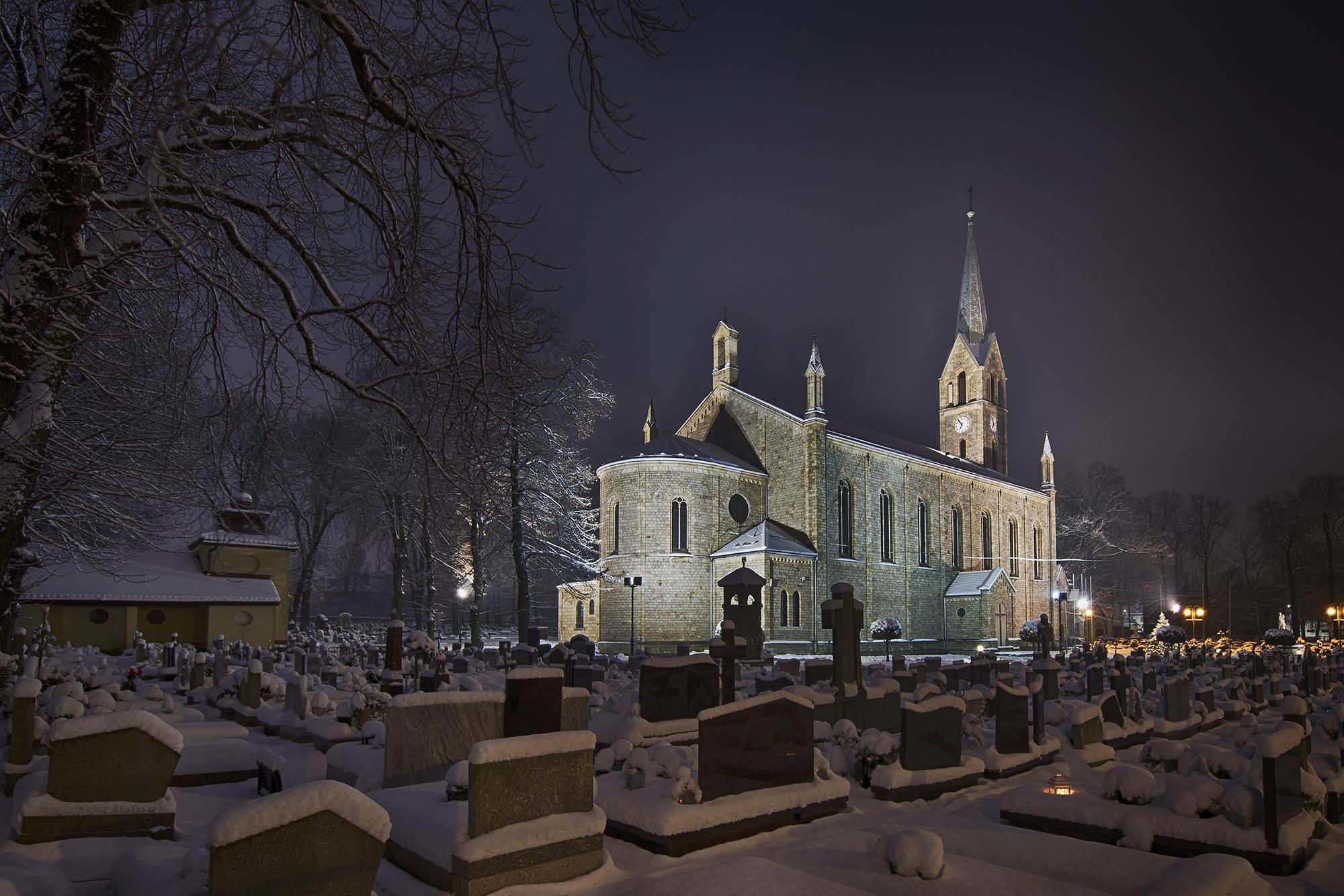 Kościół w zimowej szacie