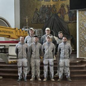 malowanie kościoła (19)