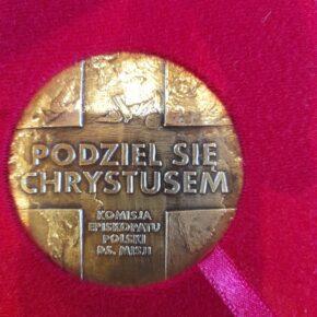medal dla pani krystyny malickiej (7)